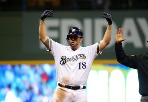 mike-moustakas-brewers-1024x704