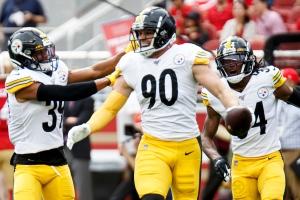 Pittsburgh Steelers outside linebacker T.J. Watt (90)